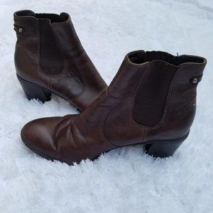 ANNE KLEIN Brown Leather Chelsea Ankle Boots